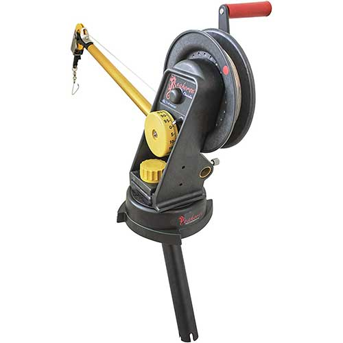 9. Seahorse Manual Downrigger with Swivel Base and Gimbal Mount by Troll-Master