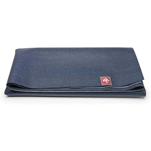 1. Manduka eKO Superlite Yoga Travel Mat – 1.5mm Thick Travel Mat for Portability, Eco Friendly and Made from Natural Tree Rubber